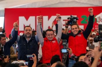 ARRAQNUE DE CAMPAÑA DE MIKEL ARRIOLA EN CUAJIMALPA